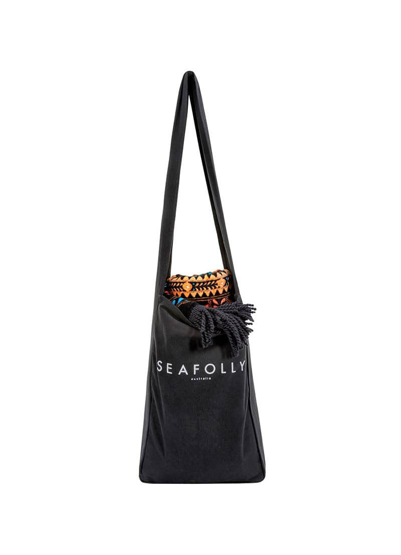71239_fringebenefits_bagtowel_front